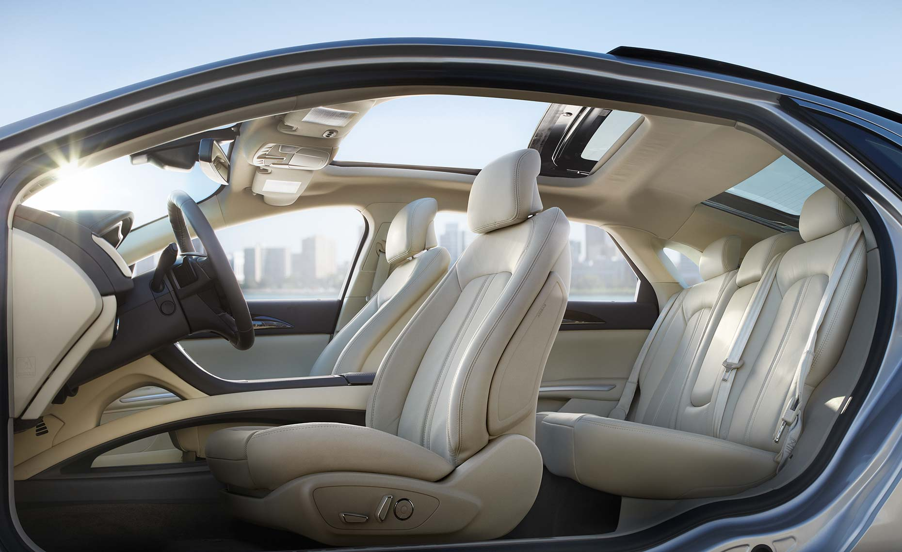 2013_lincoln_mkz_full-interior.jpg