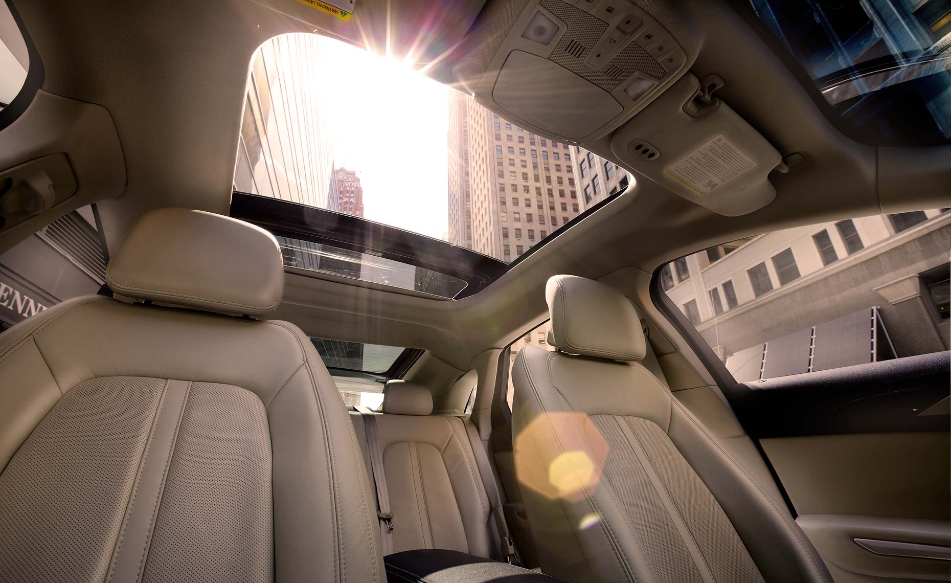 2013_mkz_roofwindow.jpg