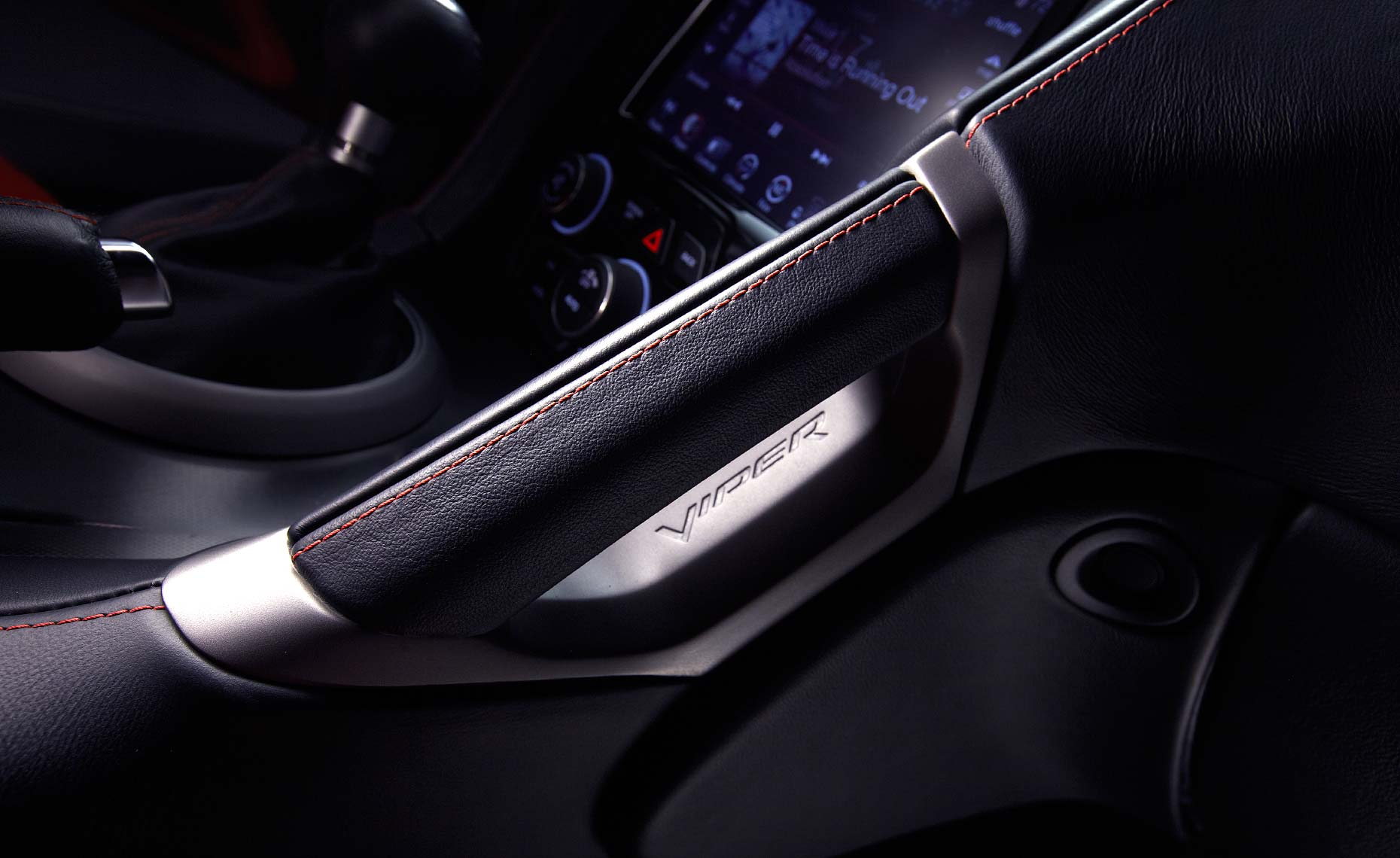 2013_viper_srt_dash detail.jpg