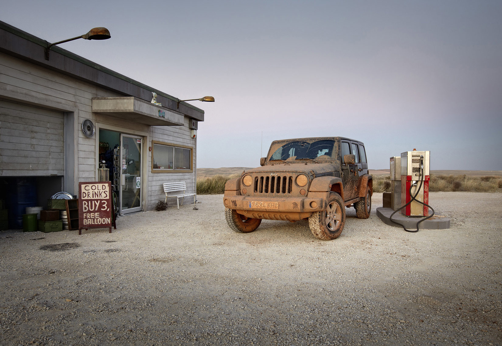 stanley-Jeep-spain-Gas-01.jpg